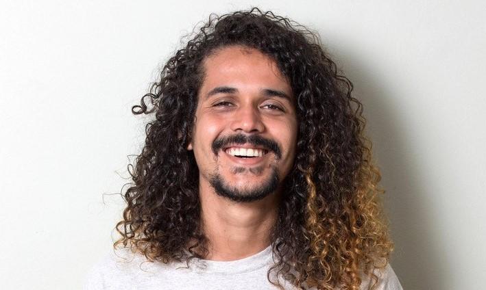 """Após impacto internacional de """"O Sol Na Cabeça"""", Geovani Martins participa da Feira do Livro de Frankfurt"""